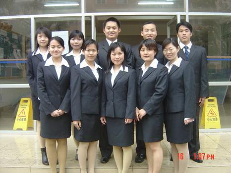 """中加国际学院学生团队参加了2004年""""杰赛普国际模拟法庭大赛""""获得优异的成绩"""